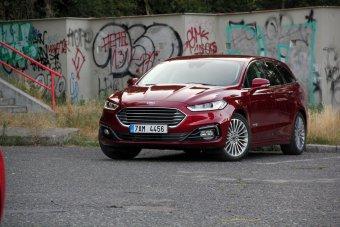 Ford Mondeo Kombi 2.0 Hybrid iVCT – praktický full hybrid pro rodinu