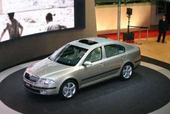 Vůz nejen pro české zákazníky - nová Škoda Octavia II. (Ženeva 2004)