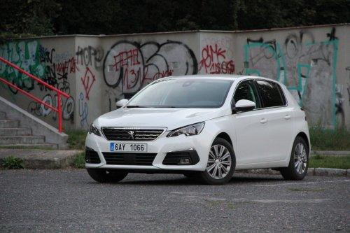 Peugeot 308 1.2 PureTech EAT8 - technická ofenziva